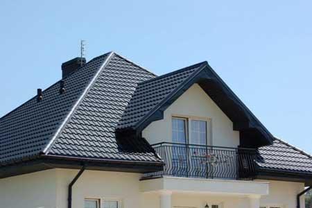 крыша с матовой металлочерепицей IMPERIA