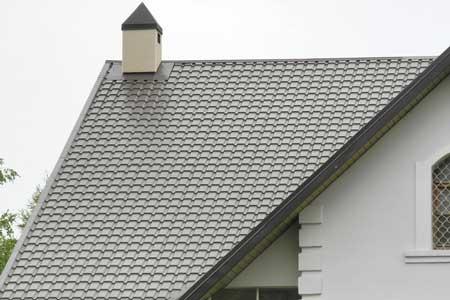крыша с матовой металлочерепицей KASKAD
